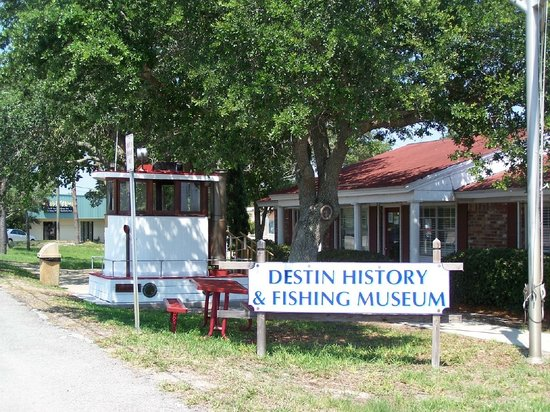 الصيد - مدينة ديستين بفلوريدا