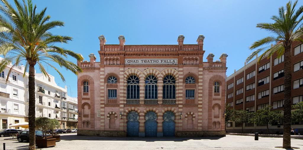 فالا الكبير - مدينة قادس الأسبانية