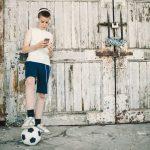 فوائد ممارسة رياضة كرة القدم بإنتظام