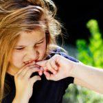 اسباب وانواع السلوك المحفز للذات عند مرضى التوحد