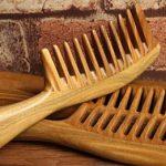 فوائد تمشيط الشعر بمشط خشب