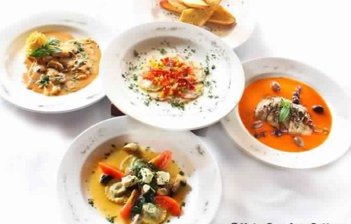 والسلطات الإيطالية في مطعم روسو فيفو - جولة داخل صالة طعام روسو فيفو في منتجع كوتا سيفيو