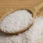 فوائد الملح الخشن في العناية بالشعر