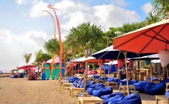 الشاطئ الأزرق 9 - اجمل البارات الشاطئية العصرية في بالي