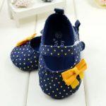 موديلات حديثة و مميزة لأحذية البنات الرضع