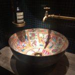 ديكورات مبتكرة لأحواض المراحيض الحديثة