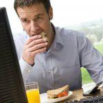 أسباب زيادة الوزن في مكان العمل