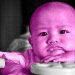 شعور الرضيع بالملل وكيفية مساعدته على تخطي الأمر