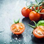 اطعمة تساعد الجلد على مقاومة اشعة الشمس الضارة