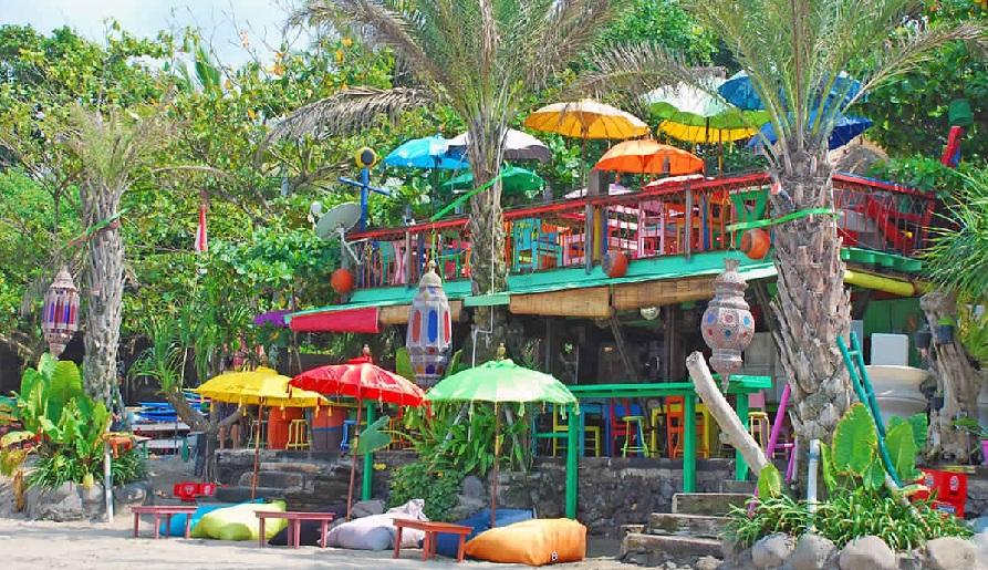 بلانشا - اجمل البارات الشاطئية العصرية في بالي