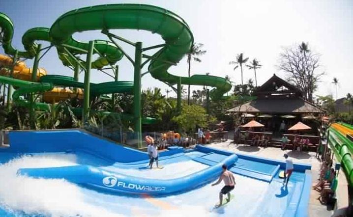 فلو ريدر في حديقة ووتر بوم - رحلة ترفيهية إلى حديقة وتربوم في بالي