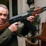 نبذة عن مخترع الأسلحة الروسي ميخائيل كلاشينكوف