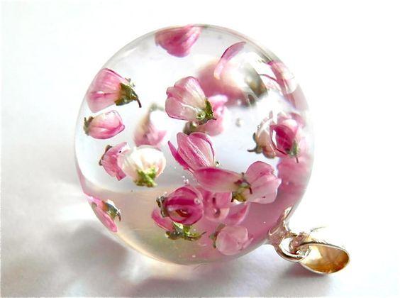 اكسوارات نسائية رقيقة من الورود ورد-روز.jpg