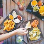 أنواع الأغذية المسببة لحبوب الشباب والتي يجب تجنبها