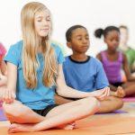 """فوائد تمارين التأمل """" اليوجا """" للأطفال"""