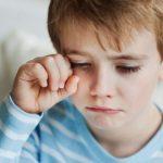 عادات يفعلها الآباء تجعل الأبناء يبكون ليلا