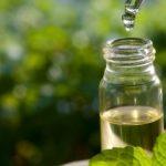 مقارنة بين زيت شجر الشاي و فيتامين E