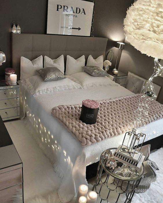 تصاميم رومانسية لغرف نوم حديثة سرير-مضئ-1.jp