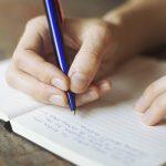 أغرب العادات التي اتبعها المؤلفين للكتابة بشكل أفضل