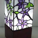 اضاءات منزلية مصممة بالزجاج المعشق