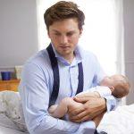 طرق علاج اكتئاب الاب بعد الولادة