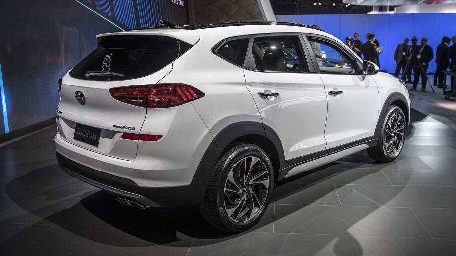 التصميم الخلفي للسيارة هيونداي توسان 2019