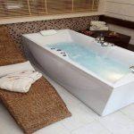 كيفية تنظيف حمام السباحة الجاكوزي