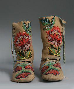 حذاء بيج