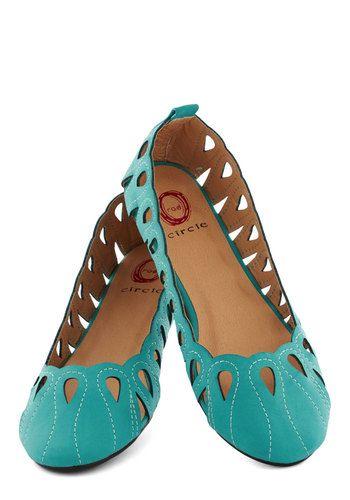 موديلات الأحذية الفلات النسائية لعام