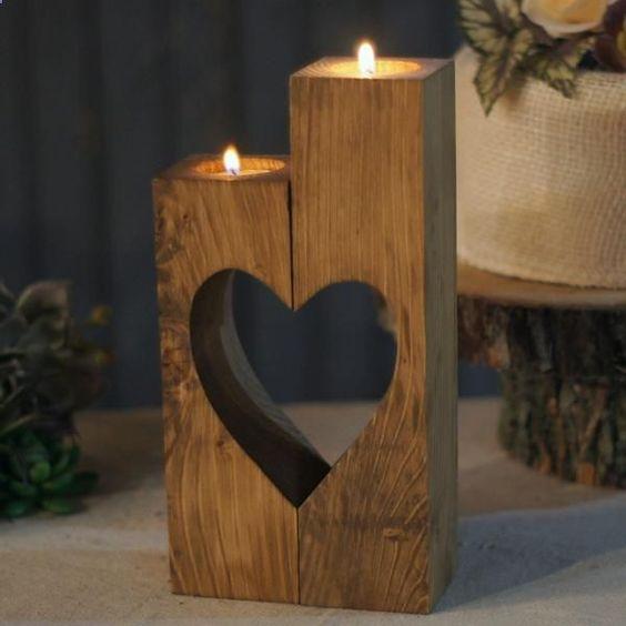 استخدام الألواح الخشبية في الديكور شمعدان.jpg