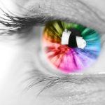 عدسات لاصقة للعيون تساعد المصابين بعمى الألوان