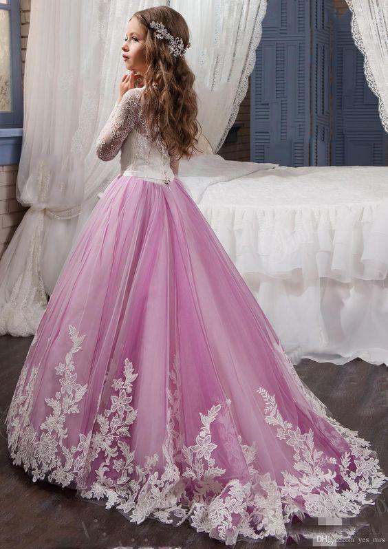 آنتِ نجوم الليل وغنوة آلصبـح فستان-ليلا.