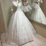 الأكمام الطويلة موضة فستان الزفاف لهذا العام