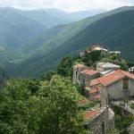 قرية تريورا الايطالية بالصور