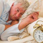 قلة النوم تزيد من خطر الإصابة بمرض الزهايمر