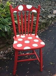 الشكل المنقط يحتل الديكورات المنزلية كرسي-خشب.jpg