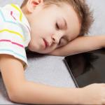 طرق التحكم في استخدام الأطفال للأجهزة الذكية