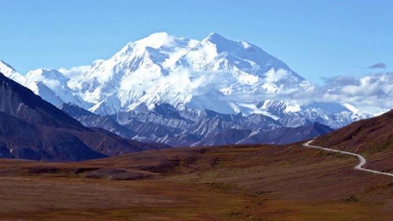 4 أفكار رائعة في رحلتك إلى ألاسكا التنزه-في-أ