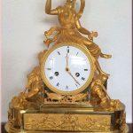 ساعات مكتبية بلمسة كلاسيكية أنيقة