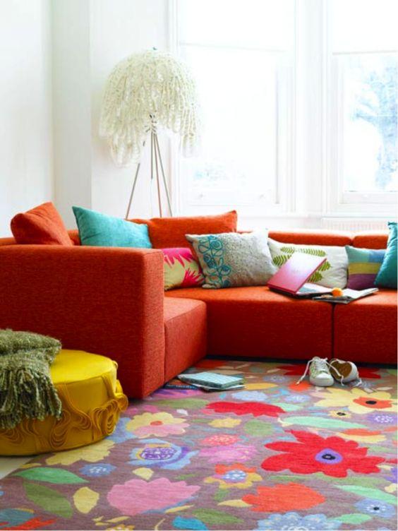 غرفة معيشة احمر