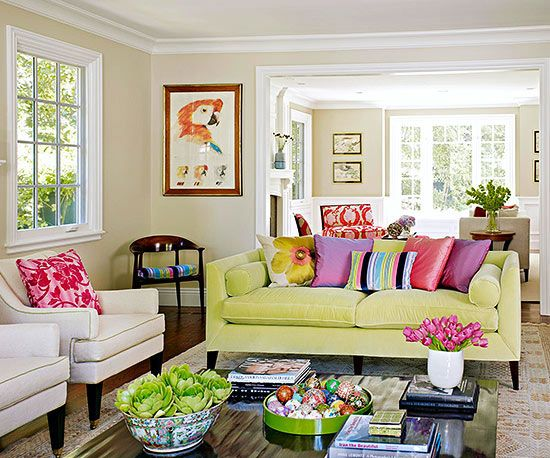 غرفة معيشة اصفر و ابيض