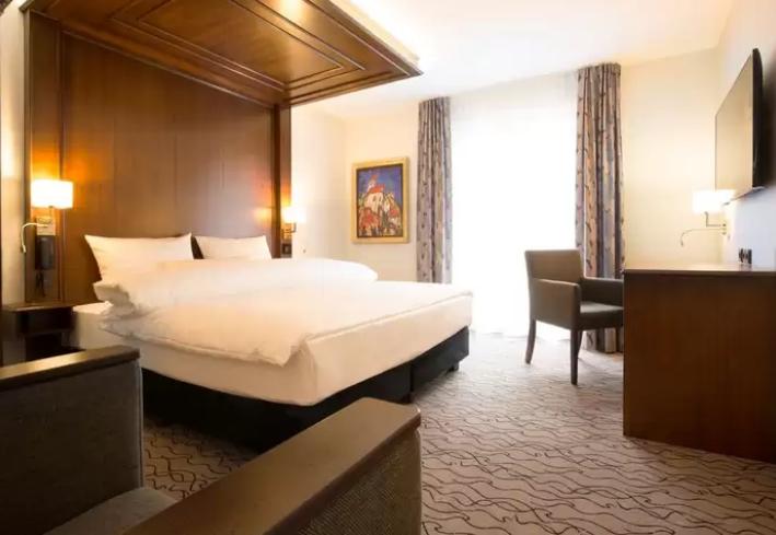 الالمانية فندق-كينج-هوتيل-سيتي-ستاي.png