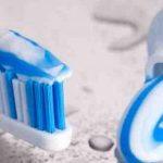 فوائد معجون الاسنان للشعر