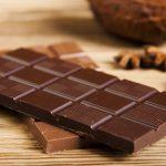الفرق بين الشوكولاتة المفيدة و الشوكولاتة الضاره