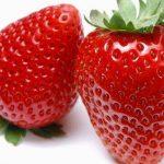 أسباب ألم المعدة بعد تناول الفراولة