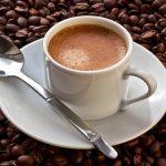 شرب 4 أكواب من القهوة يحمي القلب من الأمراض