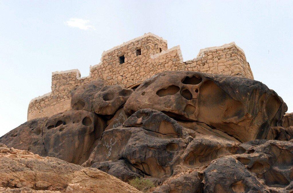 """قلعة رعوم بنجران ظ'ظ""""ط¹ط©-ط±ط¹ظˆظ….jpg"""