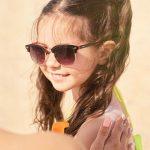 كيفية اختيار أفضل واقي من الشمس لطفلك