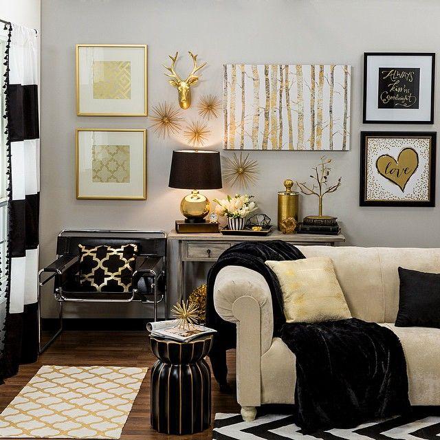 ديكورات مودرن أكثر أناقة باللون الذهبي-في-غرفة-استقب