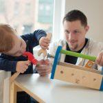فوائد لعب الكبار مع الأطفال